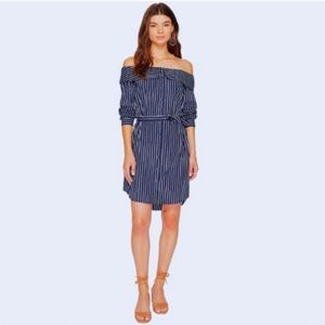 NWT Kensie   Navy Striped Oxford Of the Shoulder